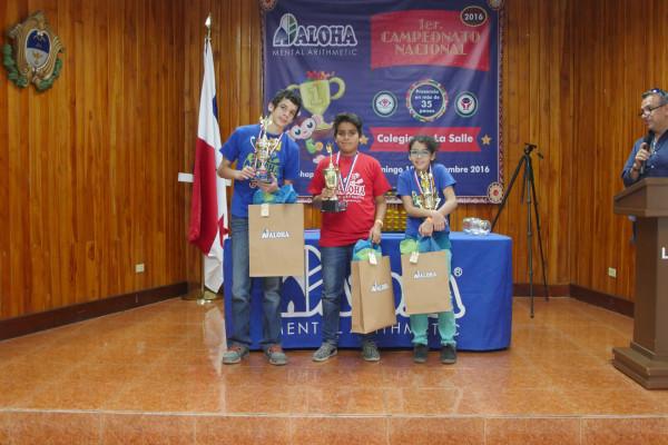 Campeones de categoría Pre-Kids de 10 y más Primero: Diego Casasola Segundo: Gabriel Donderis Tercero: Ana Isabel Donderis